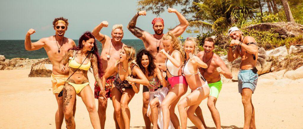 """Reality-Fans aufgepasst! Das Ranking der Reality-Shows – Der Cast von """"Kampf der Realitystars – Schiffbruch am Traumstrand"""" Foto: RTL II"""